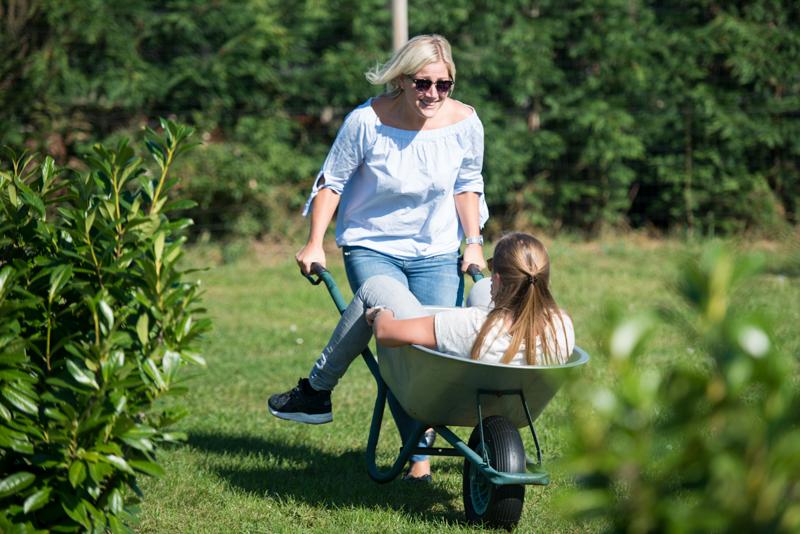Kruiwagenrace-volwassenen-activiteiten