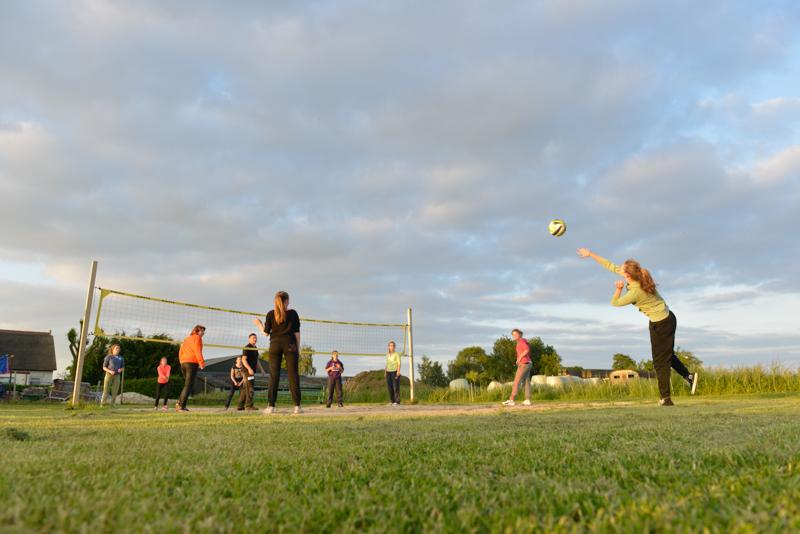 Teamuitje jeugddames volleybal uit Made