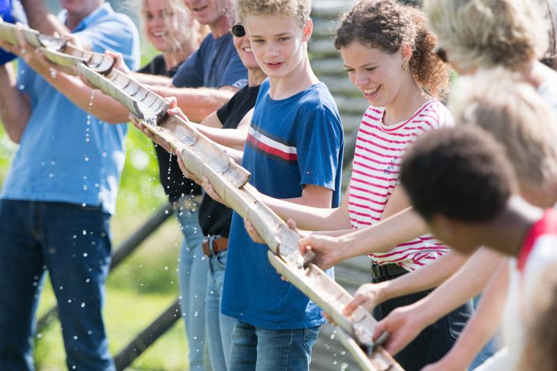 Bamboegoot-tieners-activiteit
