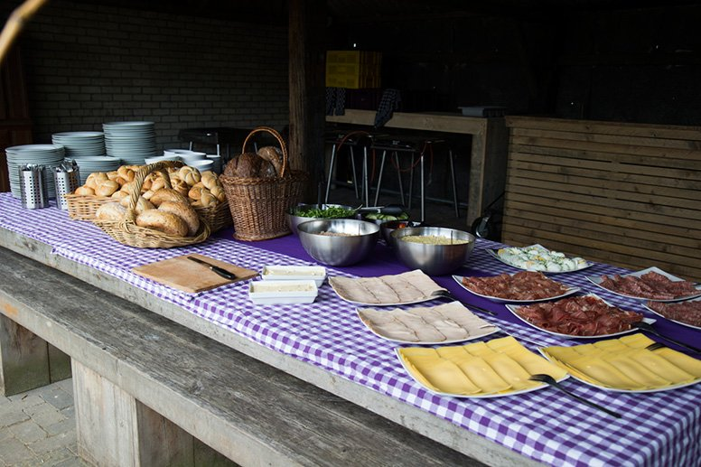 bedrijfsuitje-vol-teambuilding-en-fun-in-brabant-lunch-polderevents